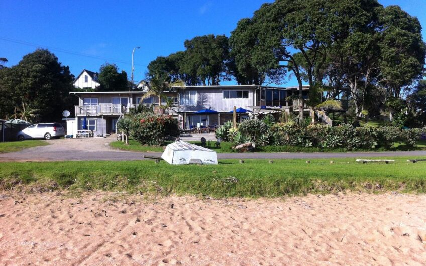 Absolute Beachfront Holiday Lodge